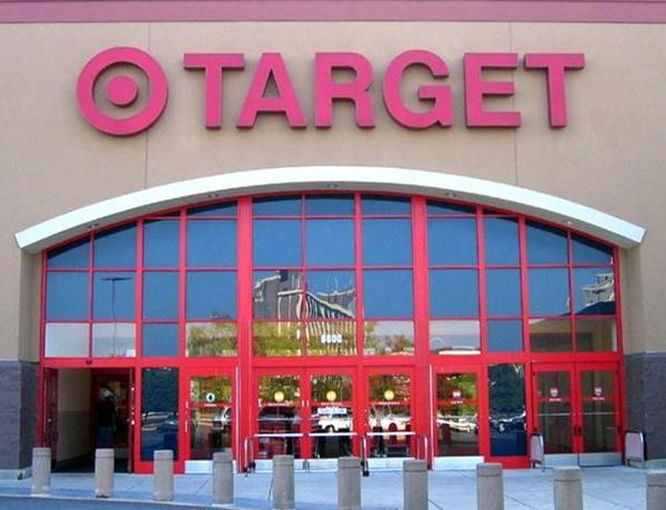 Target Going High-End for Holidays_-3388819533316665907