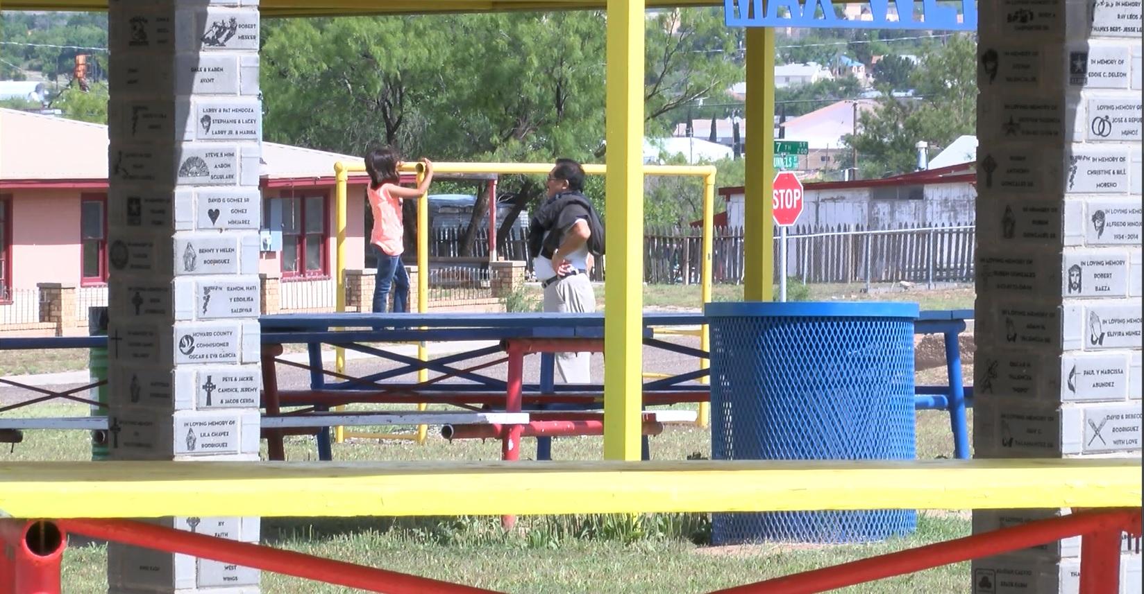 alcohol in park_1431490219891.jpg