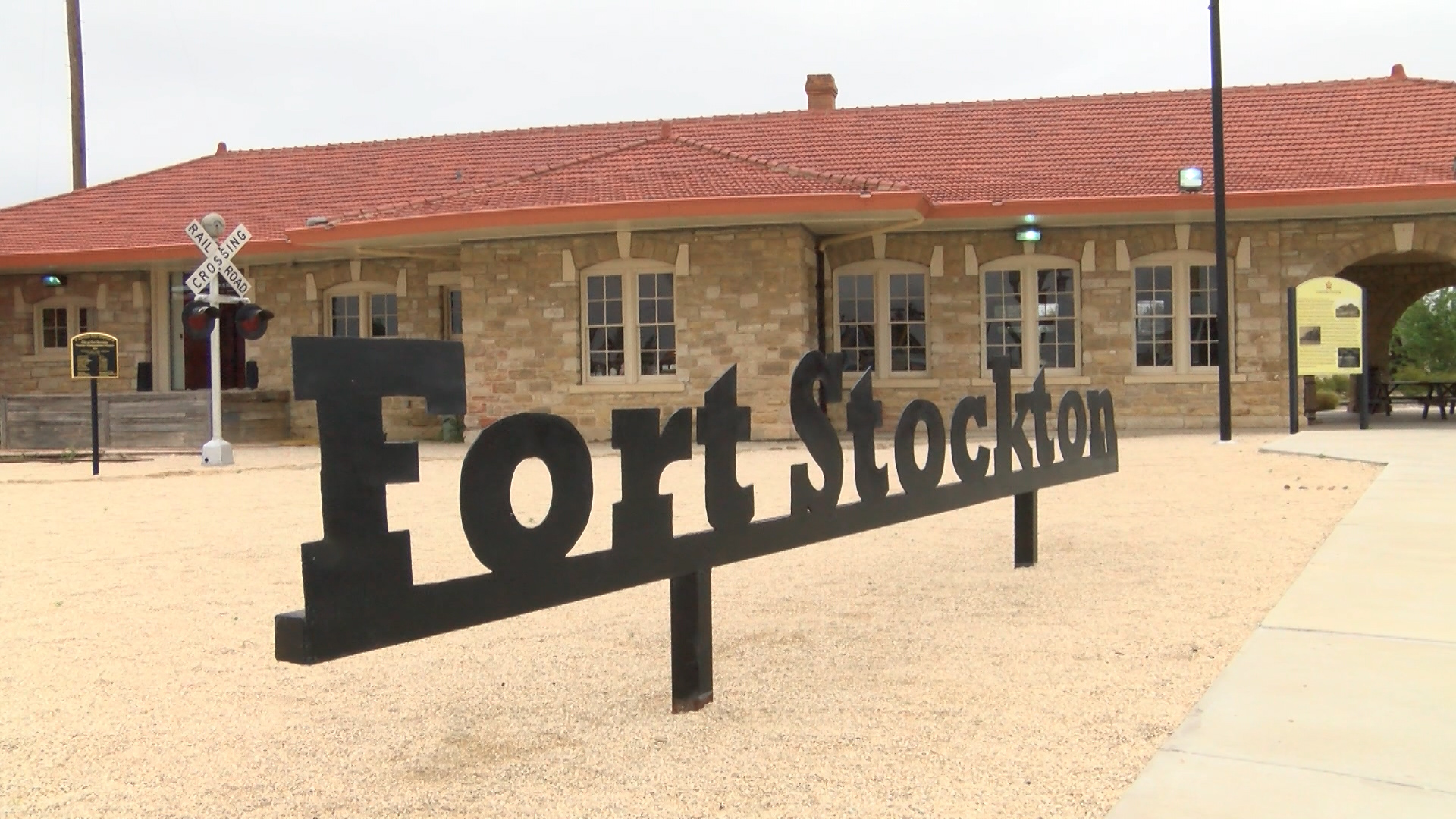 FORT STOCKTON SIGN _1461092407575.jpg