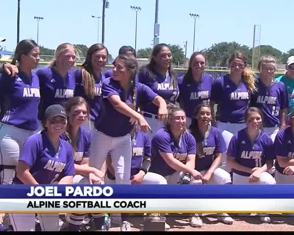 Alpine Softball Moves to Regional Semifinal_55015063