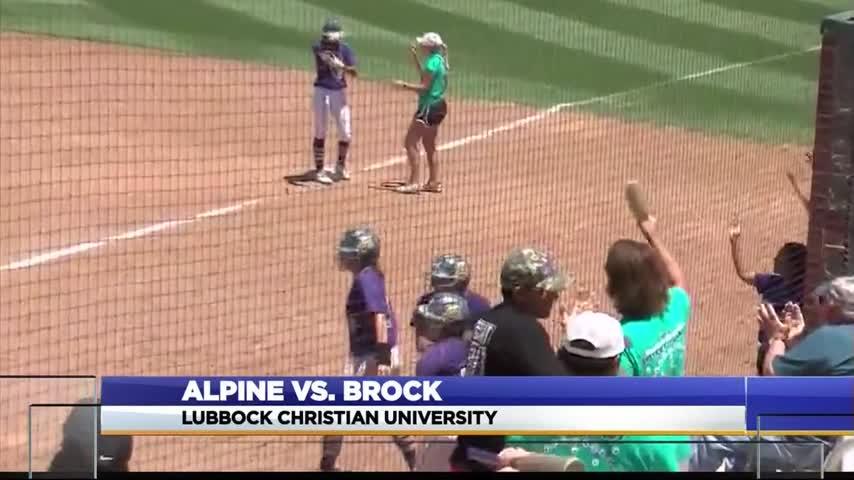 Brock Rallies to Sweep Alpine Softball_63547090