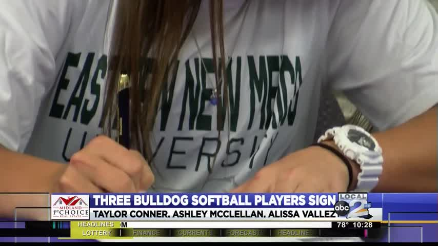 Three MHS softball players sign to play in college_50216342