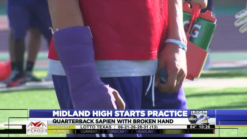 MHS QB Starts Camp With Injury_97242934