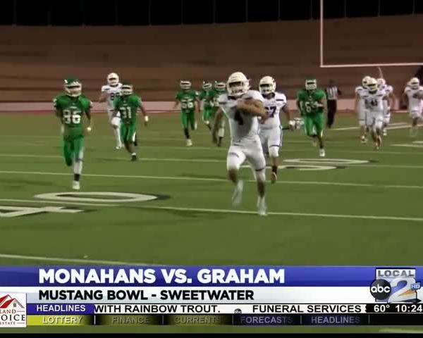 Graham Blows Past Monahans in Area Round_61997109