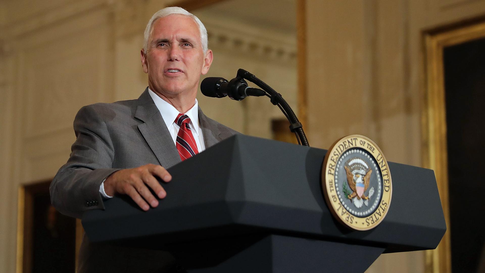 Mike Pence at White House podium-159532.jpg47907479