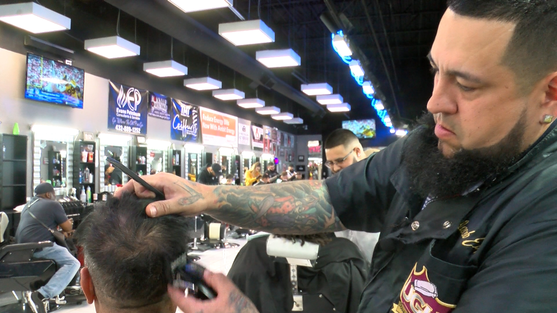 Local barbers oppose bill that looks to abolish licenses statewide