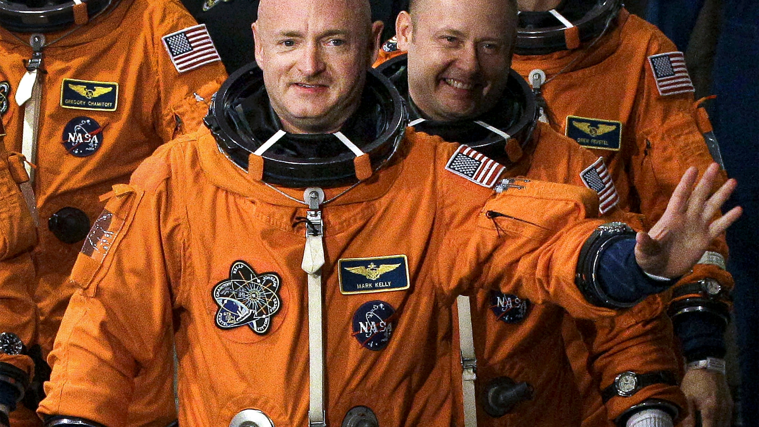Mark Kelly, Mike Fincke